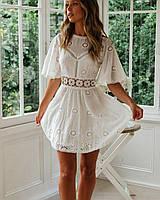 Белое летнее платье из прошвы с расклешенной юбкой и вырезом на спине 79PL1525, фото 1
