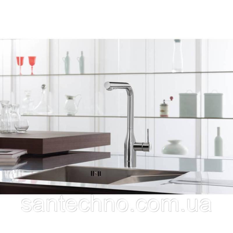 Смеситель для кухни с выдвижным изливом Grohe Essence 30270000