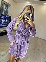 Жіночий короткий теплий махровий халат з капюшоном в квітка, фото 2