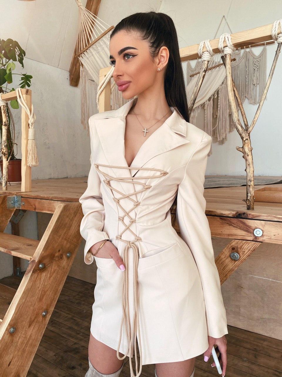 Платье - пиджак со шнуровкой на груди и длинным рукавом 71py1534