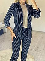 Классический женский костюм пиджак и брюки