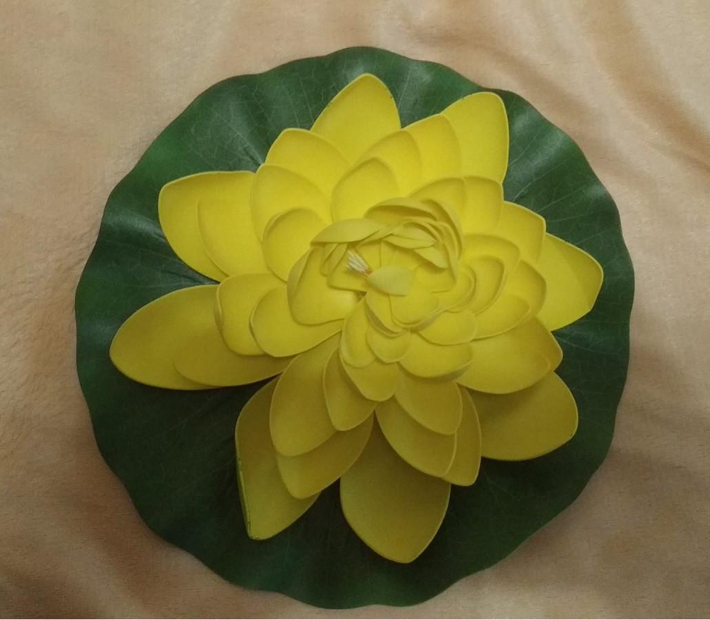 Цветок Лотоса декоративный плавающий большой 27 х27х7 см(водяная лилия) желтый