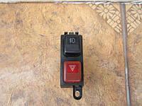 Кнопка выключатель  аварийной  сигнализации и габарит  Mazda 626 GD GV 1987 - 1997 гв., фото 1