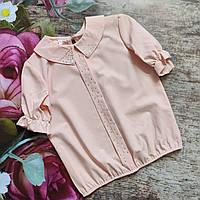 Нарядная блуза для девочки с коротким рукавом.