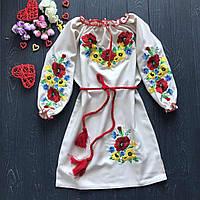 Вышитое платье c красивыми цветами и нежным цветом для девочки