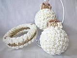 Блестящая подушечка для обручальных колец из роз айвори круглая LA BEAUTY Studio люкс, фото 2
