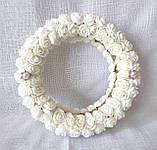 Блестящая подушечка для обручальных колец из роз айвори круглая LA BEAUTY Studio люкс, фото 6