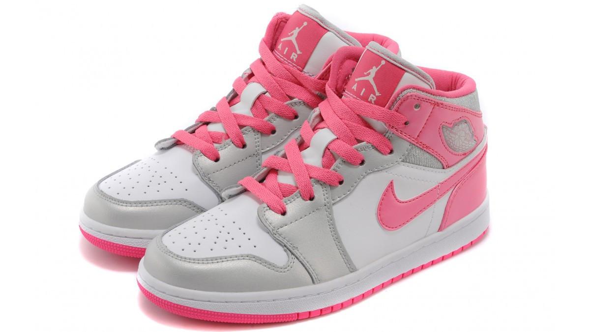Женские баскетбольные кроссовки Nike Air Jordan 1 Alpha - Интернет магазин  обуви Shoes-Mania в 670cd97c6ec