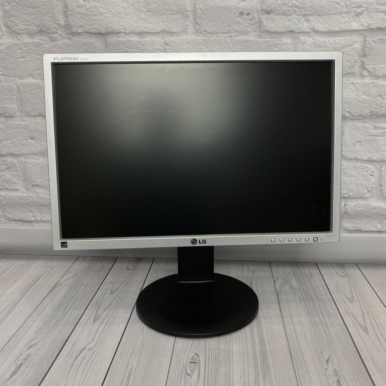 Монітор LG 22 LED (Матриця TN / DVI / VGA / Роздільна здатність 1680x1050)