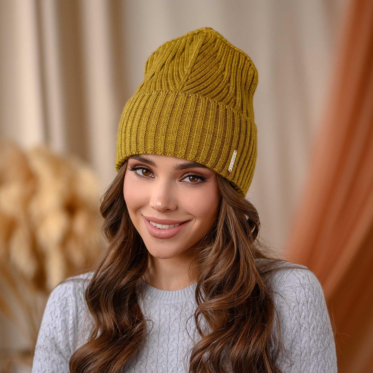 "В'язана шапка ""Айлін"" колір-лайм"