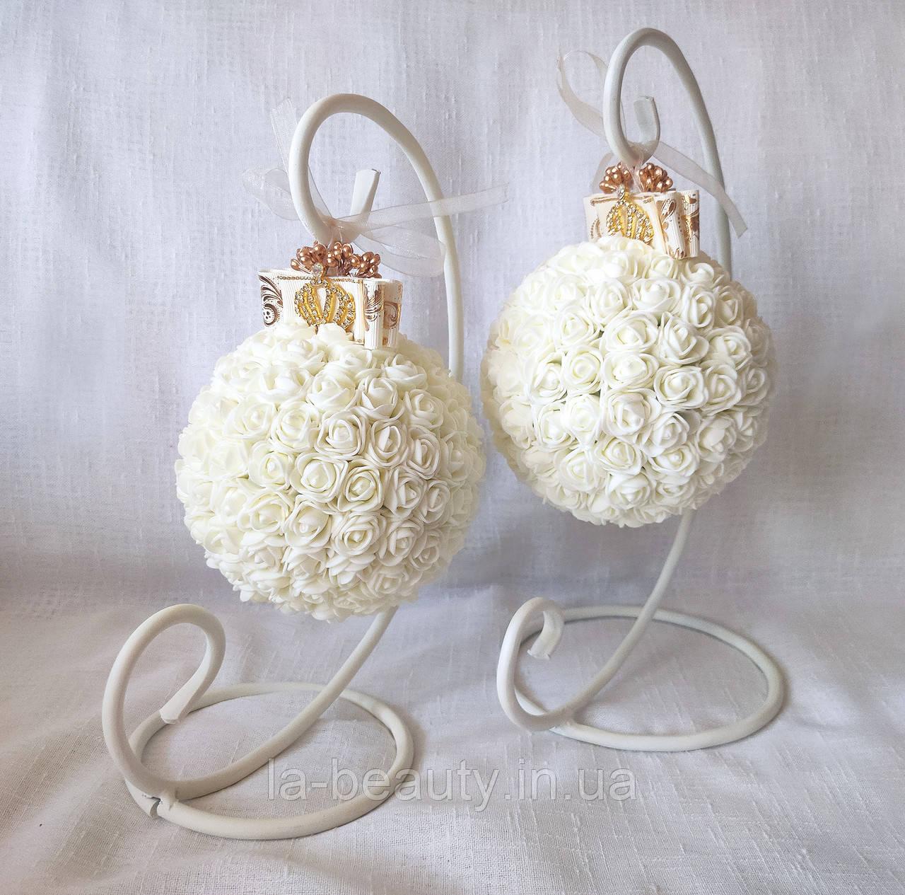Декоративный шар из роз для интерьера или свадьбы айвори Ivory шебби шик