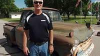 Чоловік 44 роки їздив на машині, купленій за 75 доларів, а тепер продав її онуку першого власника за 75 доларів