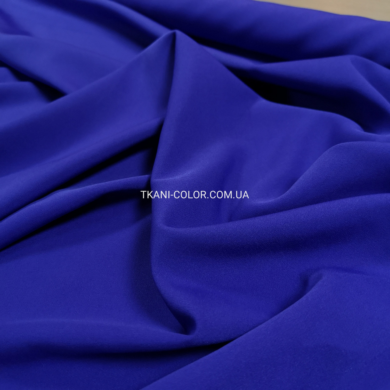 Костюмная ткань креп барби синий электрик