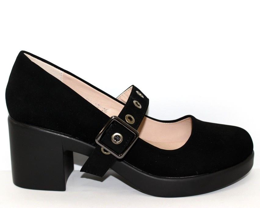 Замшевые черные туфли на широком каблуке