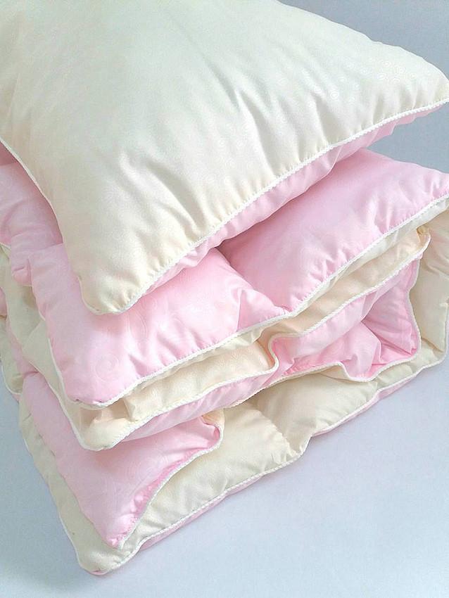 Комплект одеяло и подушка розовый