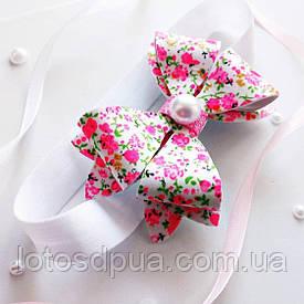 """Детская повязка на голову с бантом """"Красавица"""" (белая с розовым)"""