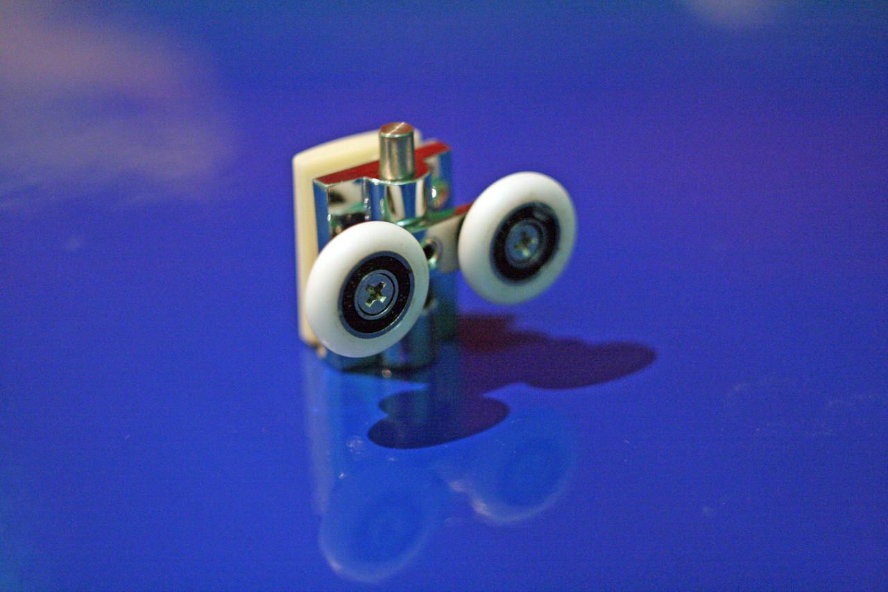 Ролик душевой кабины ( В-40 B )