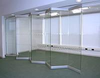 Стеклянная прозрачная перегородка системы Гармошка