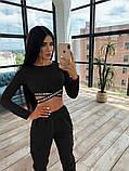 Женский спортивный костюм с топом с перекрутом и штанами с накладными карманами 66051036E, фото 3