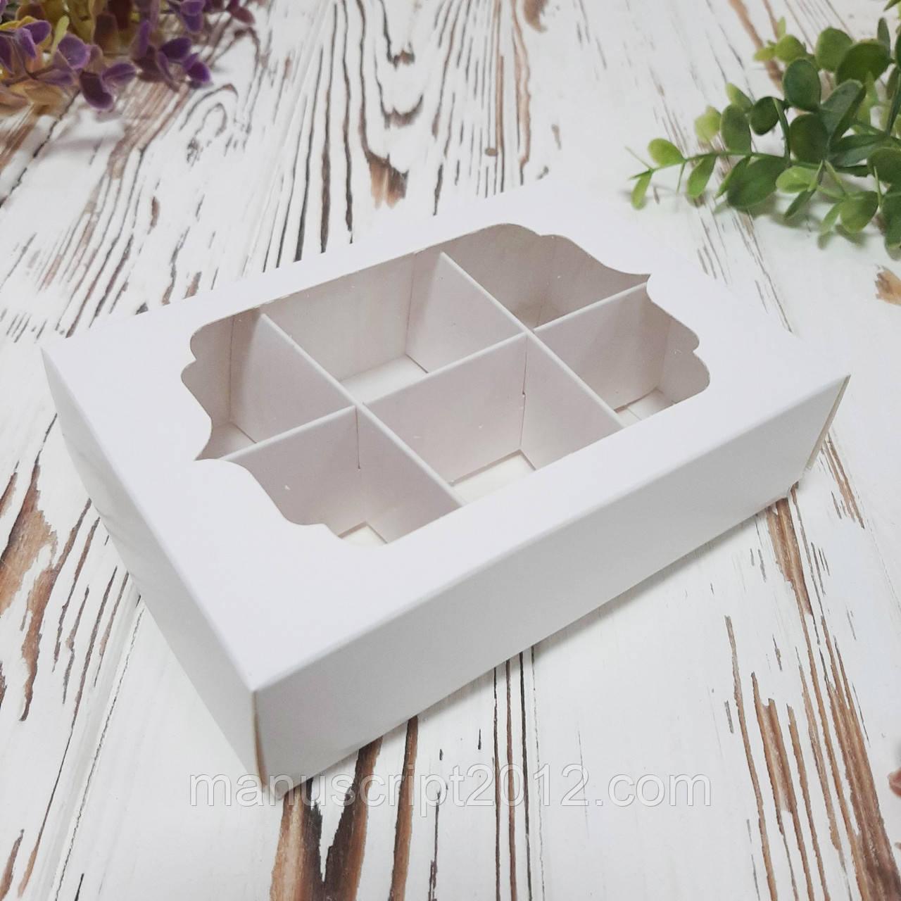 Коробка для цукерок з фігурним вікном та ложементом