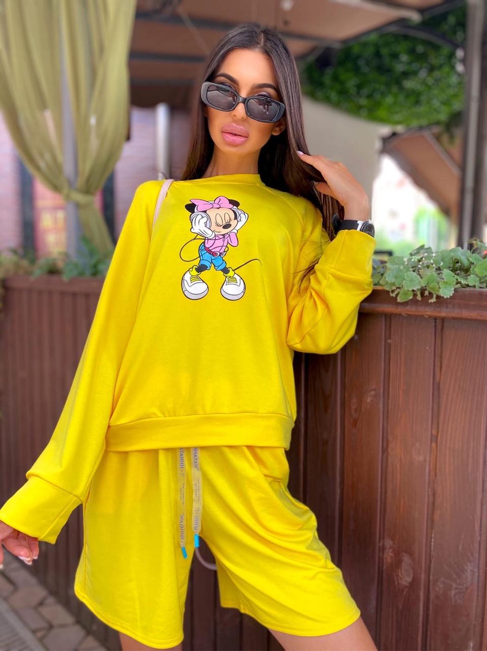 Женский костюм с шортами и свободным свитшотом с рисунком 5ks1068
