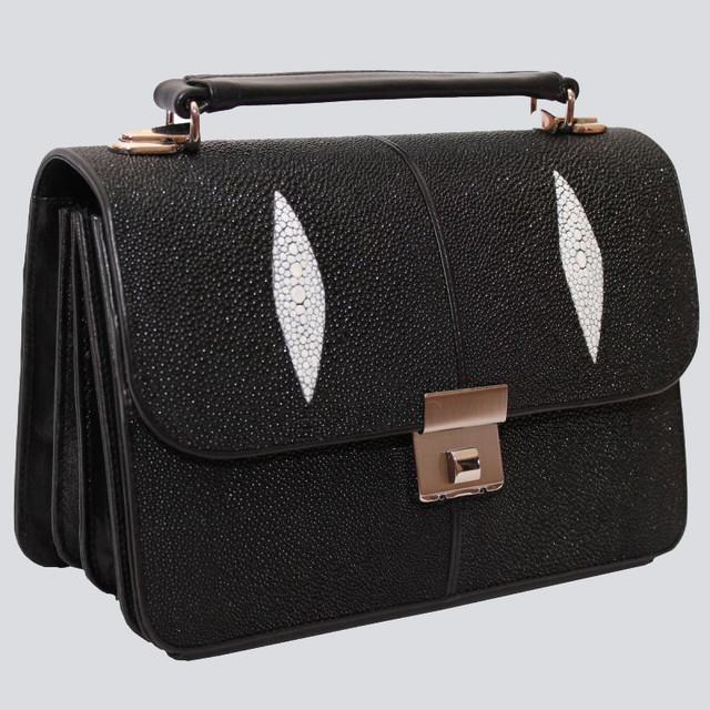 Мужская сумка из кожи ската