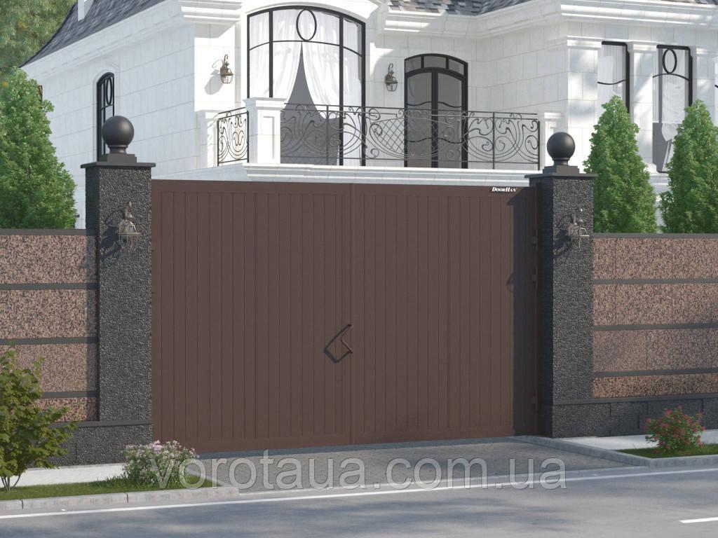 Распашные ворота DoorHan с заполнением сендвич панелями с алюминиевой рамой