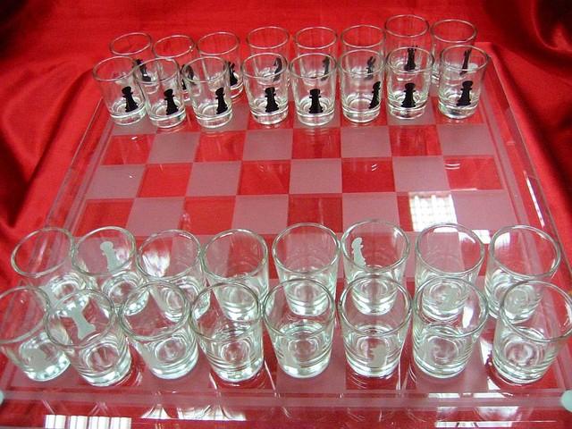 Шахматы с рюмками (086L) (39х39х6,5 см)