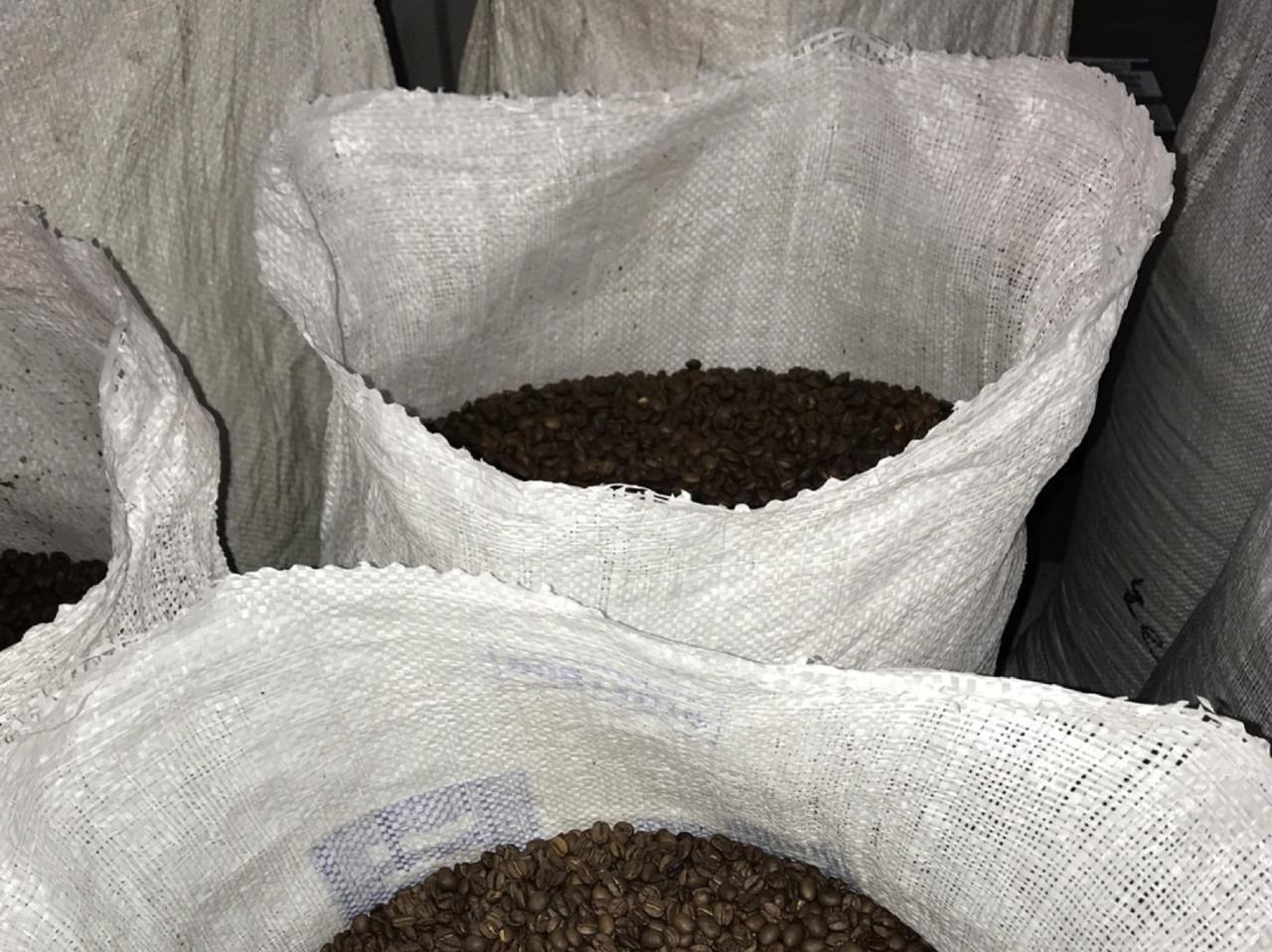 Кофе в зернах в мешках (Арабика 50 % / Робуста 50 %) 20 кг