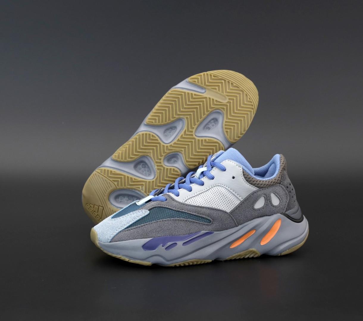 Жіночі кросівки Adidas Yeezy Boost 700