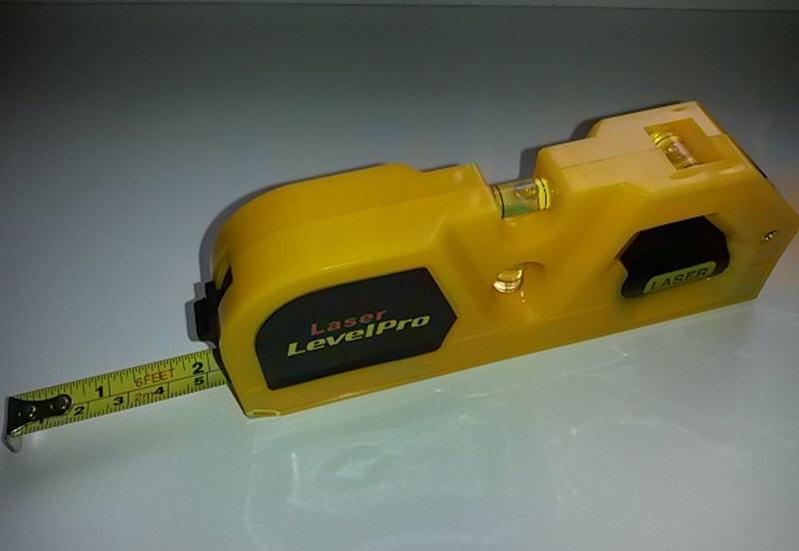 Лазерный уровень Laser Level Pro со встроенной рулеткой 2,0 м