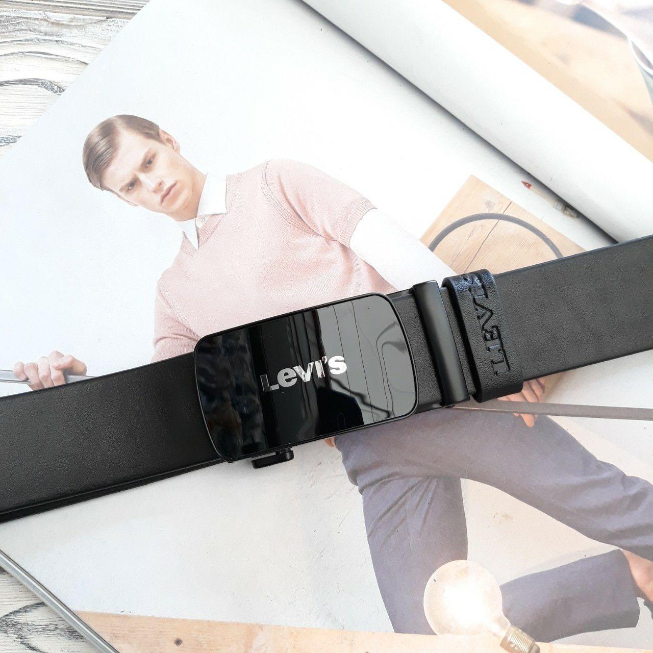 Мужской черный ремень автомат  из натуральной  кожи с глянцевой черной пряжкой  Levis