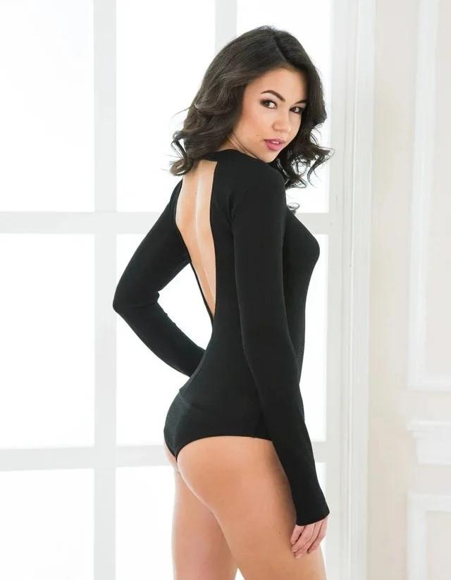 Жіночий боді з вирізом на спині чорний 44