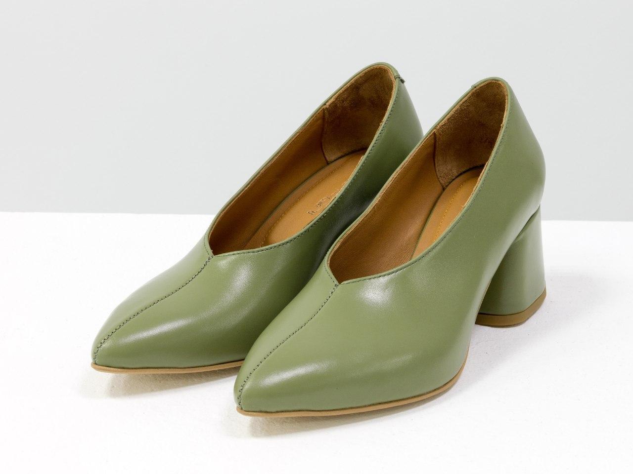 Туфли женские модные из кожи фисташкового цвета