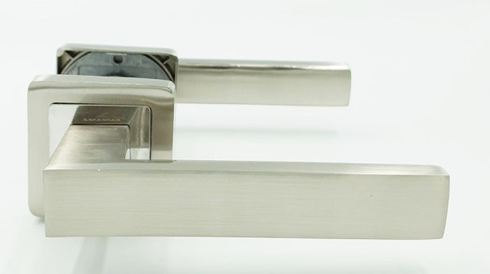 Ручка на квадратной розетке TRION DIRECT AL-AL SN/CP