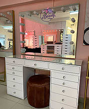 """Гримерный стол для визажиста со стеклом на столешнице """"Кристалл"""" и широкое зеркало, цвет - белый"""