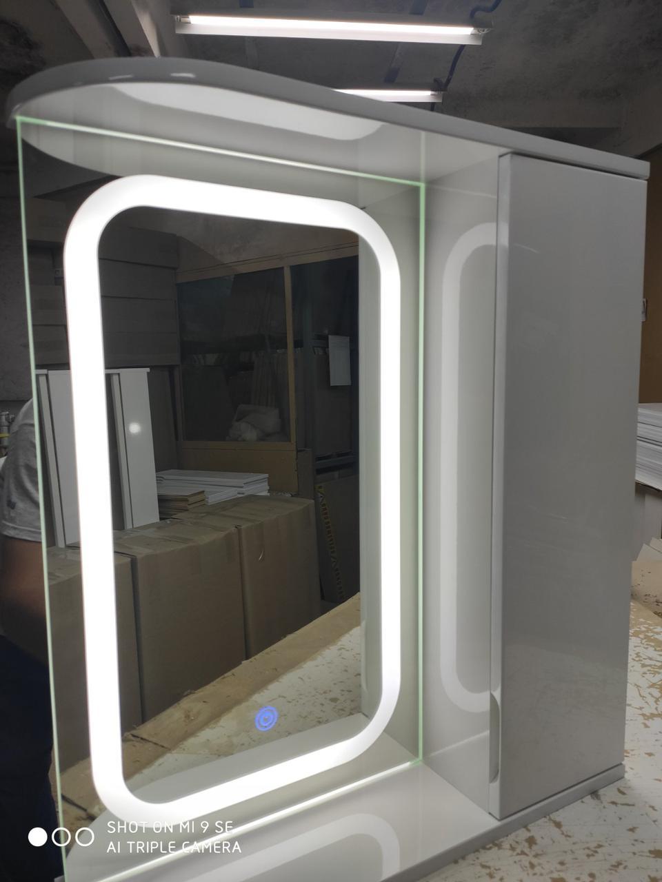 Зеркальный шкаф с LED подсветкой ШК604 (600х700х150) с сенсором дверь справа
