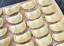 Вареники  с сыром кисломолочным по 5кг. в ящике (ручной  работы)