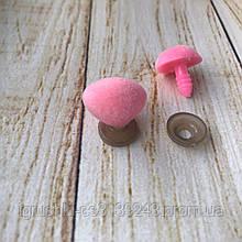 Ніс для м'якої іграшки оксамитовий трикутний 18*14 мм рожевий