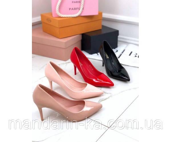 Туфли лакированные на каблуке