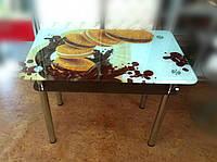 Стеклянный стол кофейный с печеньем