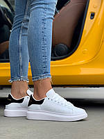 Женские кроссовки Alexander McQueen Black White / Кеды Александр Маккуин белые с черным