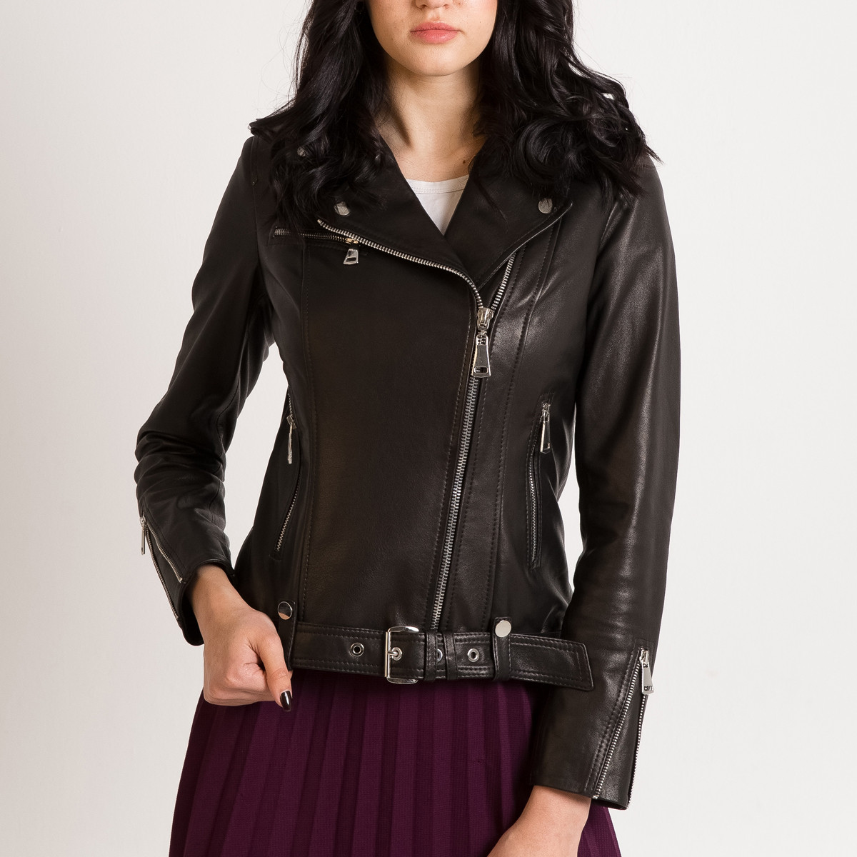 Шкіряна куртка з ременем косуха чорна жіноча (Арт. LT420)