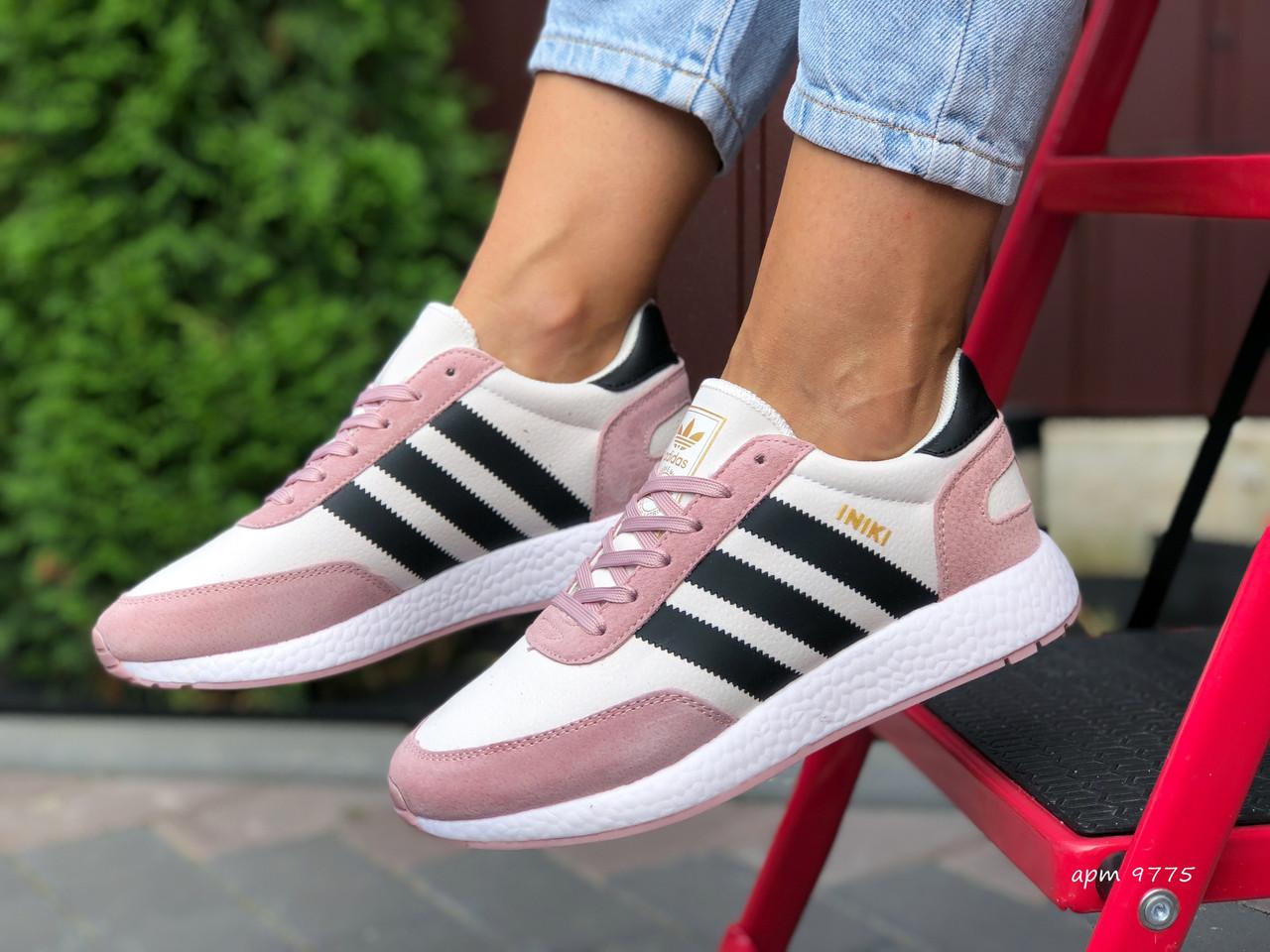 Кроссовки женские Adidas Iniki. Стильные женские кроссовки.
