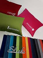 Подушка прямоугольная с вышивкой логотипа. Брендирование подушек