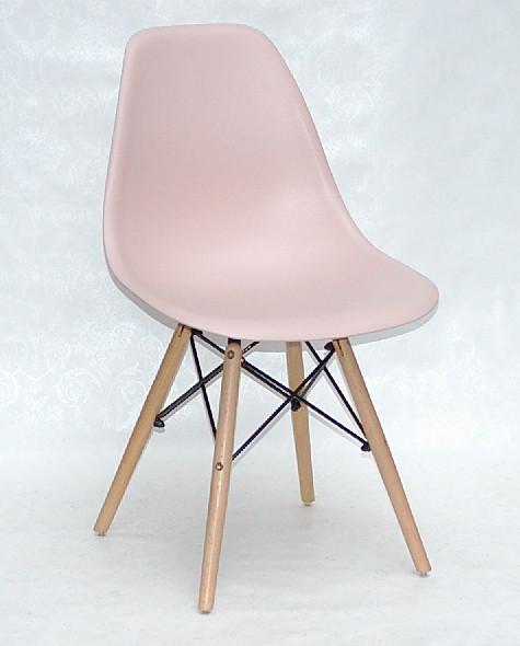Пластиковий стілець Nik NEW (Нік Н) рожевий 63 на дерев'яних ніжках