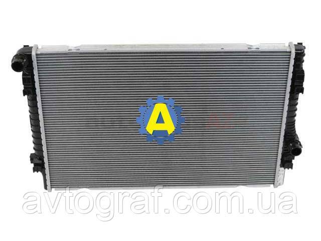 Радиатор охлаждения двигателя (основной) на Volkswagen Passat (Фольксваген Пассат В8) 2015-2021