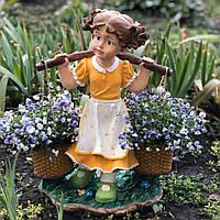 Садовая фигура Девочка с коромыслом