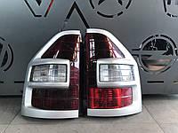 Фонарь стоп задний правий Mitsubishi Pajero Wagon 3 2000-2006