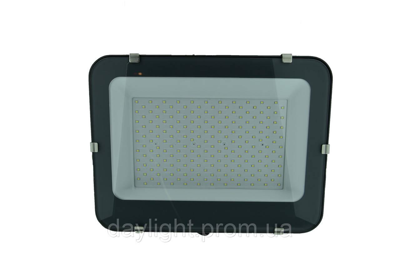 Прожектор светодиодный 200W 6200k 19100lm Biom Professional